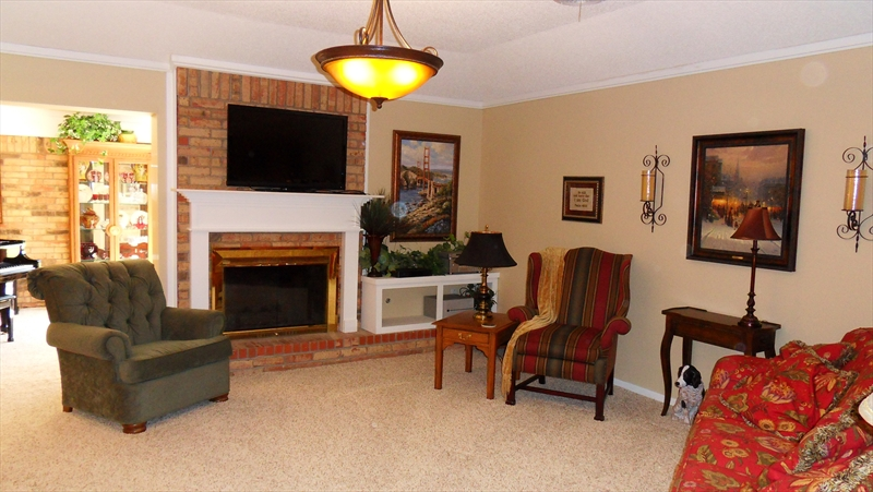 1910 Davids Court, Abilene - Living Room